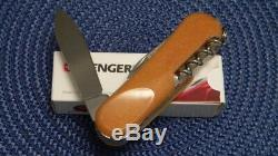 New! Rare Wenger Mike Horn Souvenir Evolution 17 Swiss Army knife