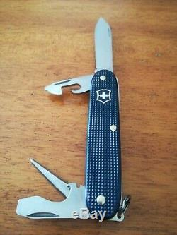 Victorinox Alox Pioneer Swiss Army Knife 2015 Steel blue 0.8201. L15