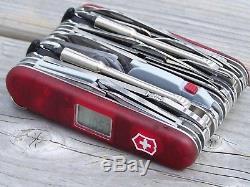 Victorinox Swiss Army Knife, SwissChamp Xavt, Rojo Rubí, 1.6795. Xavt, Nuevo New