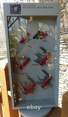 Victorinox Swiss Army Switzerland swivel Counter top Dealer Display with12 knives