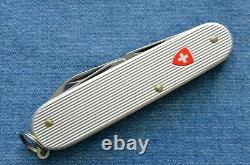 Vtg Victorinox RIBBED ALOX SILVER RED CROSS CADET SWISS ARMY KNIFE MINT IN BOX